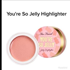 """🌹 Too Faced """"Rose' """" You're So Jelly"""" Highlighter"""